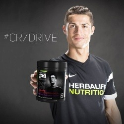 Boisson hypotonique Sport CR7 Drive Herbalife 24 en association avec Cristiano Ronaldo